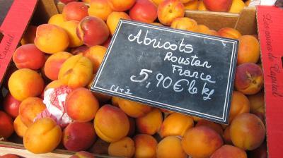 Image : Abricot - Etalage d'abricots