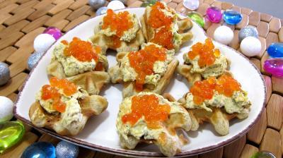colombo épices : assiette de gaufrettes aux oeufs de saumon