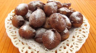 beignets sucrés : Assiette de pets de nonne