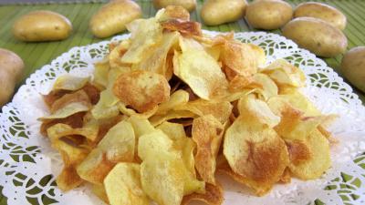 Image : Assiette de chips de pommes de terre