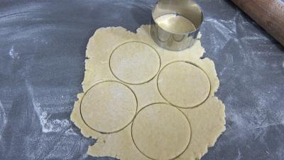 Abaisser la pâte-Découper des cercles
