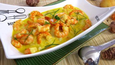Cuisine diététique : Soupière de soupe de gambas à la crème de coco