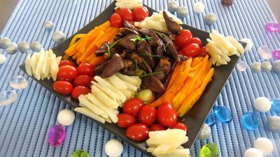 topinambour : Assiette d'alumettes de carottes et topinambours en salade