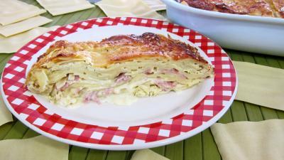lasagne : Plat de lasagnes au jambon