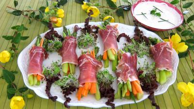 asperge : Assiettes de ballotins d'asperges, haricots beurre et carottes