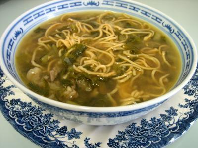 Recette Bol de soupe de boeuf et nouilles façon chinoise