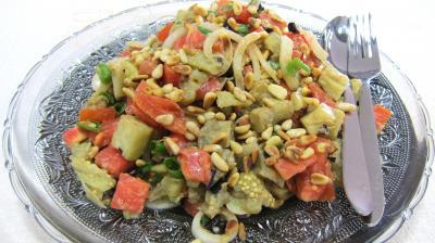 Image : Assiette d'aubergines en salade au sésame