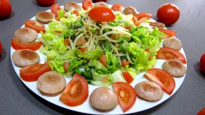 Sauce mayonnaise au roquefort : Salade au cervelas