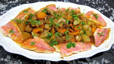 Image : Assiette de rougets au chou chinois et chayottes