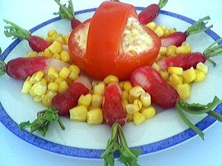 thon rouge : Assiette de tomates à l'avocat et au thon