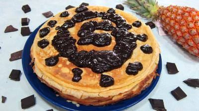 chocolat : Assiette de gâteau de crêpes Hawaïen
