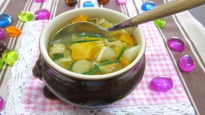 navet : bol de soupe de légumes aux navets