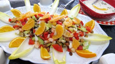 avocat : Plat d'endives et orange, mandarine en salade
