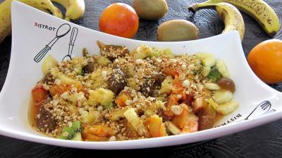 Image : Saladier de soupe d'ananas aux fruits et au cognac