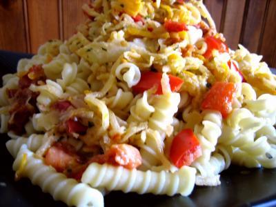 Image : Assiette de sauté de chou-rave au maccheroni