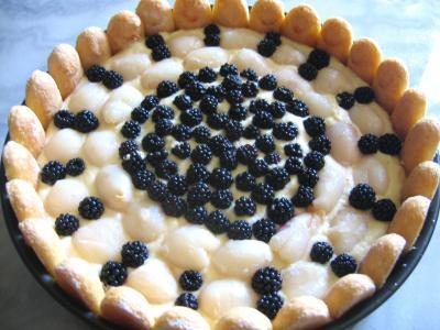 litchi : Assiette de tiramisu aux mûres et litchies