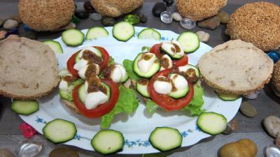 Recette Assiette de bruschettas à la tomate