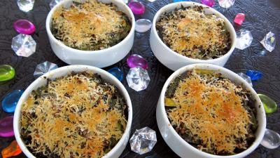 Image : Cassolettes de haricots verts et courgettes gratinés aux fines herbes