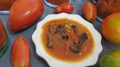 sauce pour pâtes : Coupelle de sauce tomate aux champignons noirs