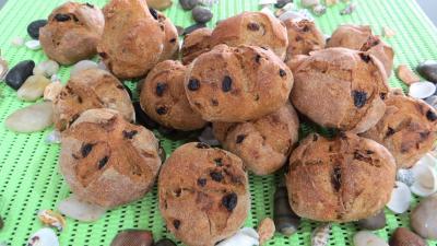 Recette Petits pains de seigle aux raisins ou benoîtons