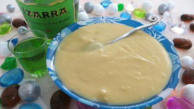 liqueur izarra : Ramequin de crème pâtissière à l'Izarra