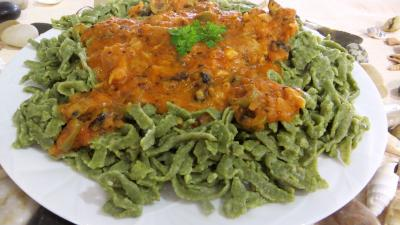 Recette Assiette de tagliatelles fraîches aux épinards et sa sauce au Vésuve