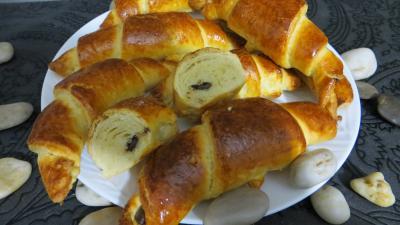 Amande effilée : Croissants variés et chocolat