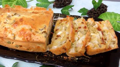 Fromages : Assiette de cake au fromage de chèvre