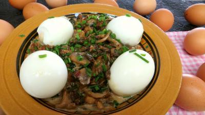 Oeufs : Assiette d'oeufs durs aux champignons