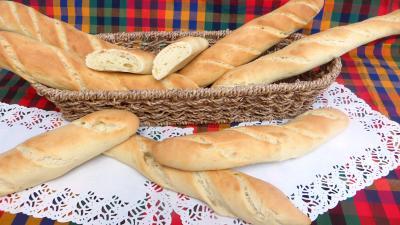 fête du pain : Panier de baguettes de pain de mie