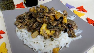 vermicelle de riz : Assiette de vermicelles de riz aux câpres