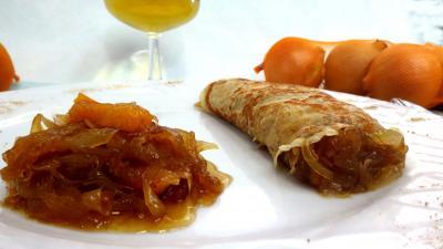 Abricot sec : Assiette de crêpe à la confiture d'oignons