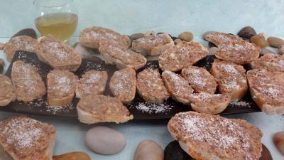 noix de coco : Assiette de canapés aux anchois