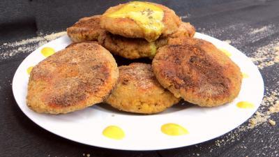 Poissons : Assiette de galettes d'oeufs de cabillaud frais