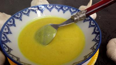 crème salée : Crème d'ail
