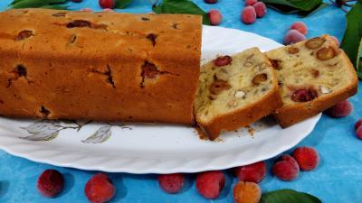 noix de coco : Cake aux cerises