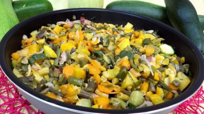 lard fumé : Sauteuse d'haricots verts
