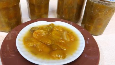Image : Coupe de compote de mirabelles à la rhubarbe
