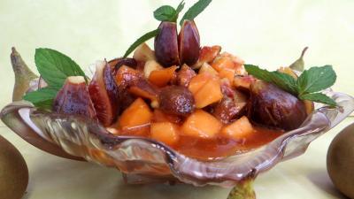 Desserts : Coupelle de salade de poires