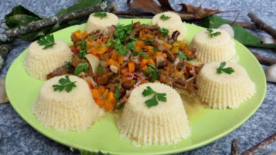 plat complet : Assiette de poêlée de girolles au couscous