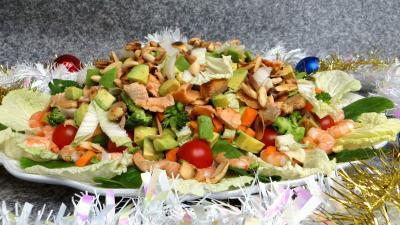 entrée à base de poisson : Salade au saumon