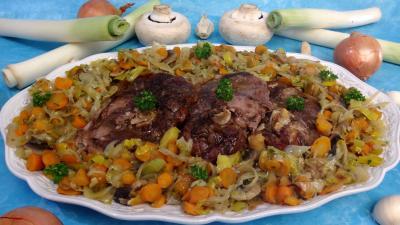 Légumes : Plat de tranches de gigot aux carottes
