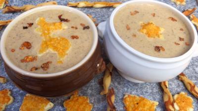Image : Crème de champignons et ses gressins décoratifs