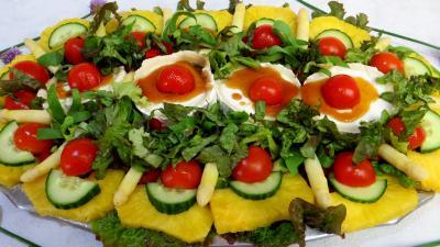 Recettes sans oeufs : Salade de chèvre au caramel