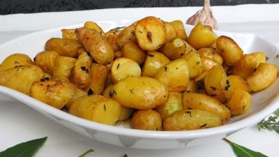 grenailles pommes de terre au thym et laurier supertoinette la cuisine facile. Black Bedroom Furniture Sets. Home Design Ideas