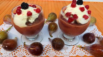 Dessert glacé : Coupes de compote de figues glacée
