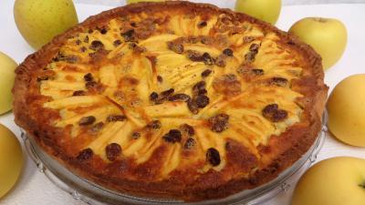 Recette Part de tarte aux pommes et raisins secs
