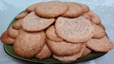 robot ménager : Assiette de biscuits capucine