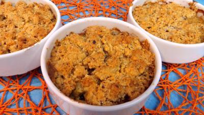 girolle : Cassolette de crumble d'asperges à la mimolette