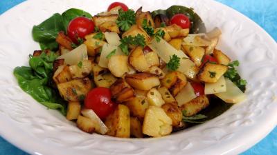 Cuisson à la poêle : Saladier de pommes de terre en salade